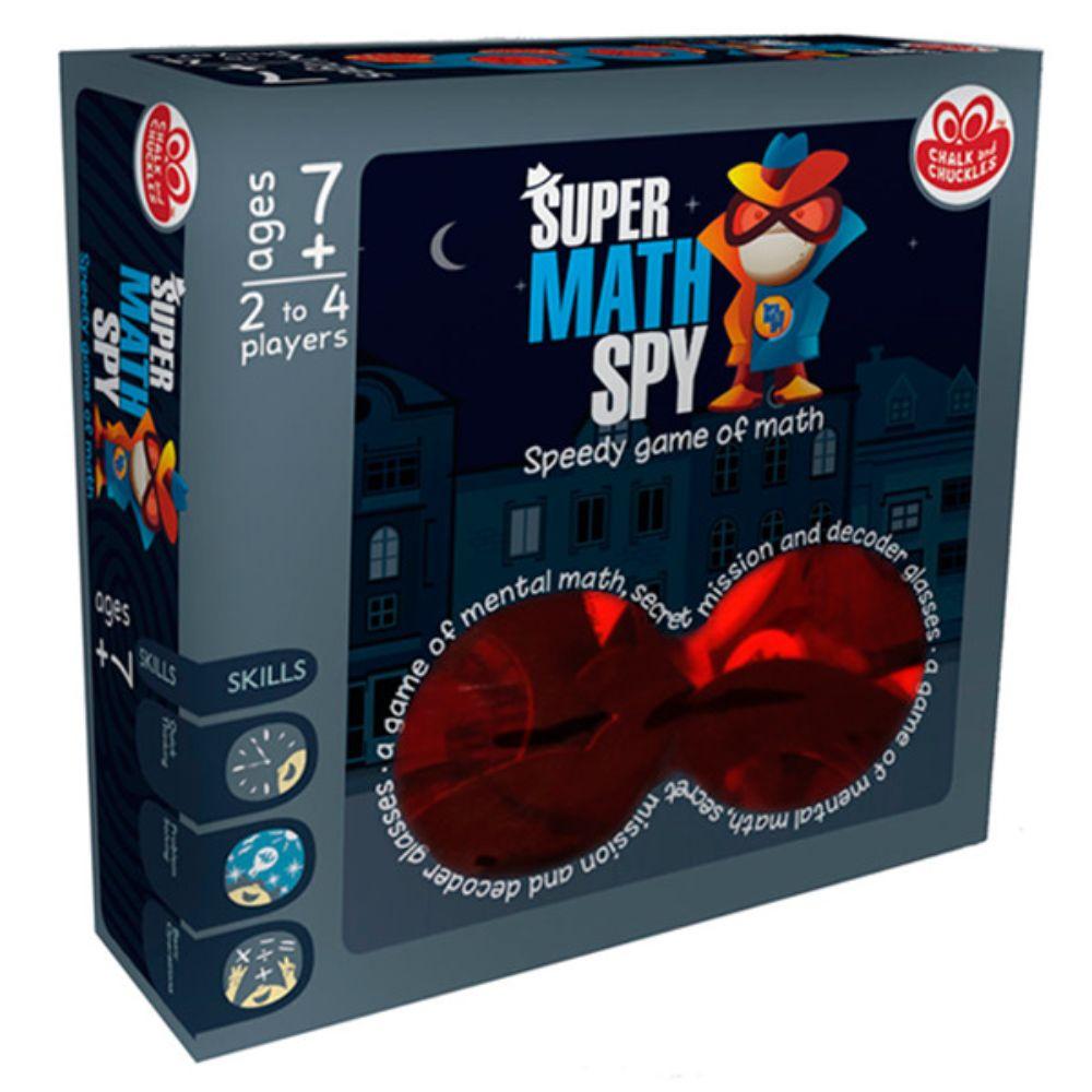 DE 7AÑOS A MÁS  Un juego que implica misiones secretas, gafas decodificadoras y muchos cálculos. Para ser un Super Math Spy en estos días, no puedes sobrevivir solo con la calculadora. ¡Tienes que ser súper rápido en tus cálculos mentales!. Super Math Spy es un juego matemáticos lleno de diversión.  Contenido:  • 100 cartas de misión  •27 fichas numéricas de huellas digitales  •1 dado de madera  •4 gafas decodificadoras.  N° Jugadores:  • 2a 4