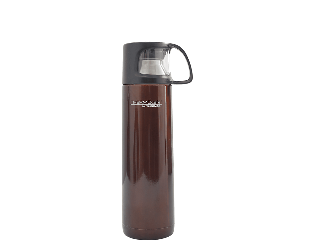 Características:  Capacidad: 500ml. colores: marrón y negro. Material: acero inoxidable. Mantiene la temperatura ideal. Tapa exterior, se puede utilizar como taza. Tapa de giro medio. Sistema anti derrame. Conserva líquidos fríos (24 horas) y calientes (8 horas). No retiene olores.