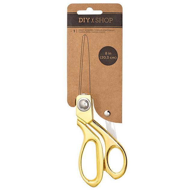 Tijerade color dorado de gran precision y corte perfecto, ideal para tus proyectos de scrapbooking y tarjeteria, ademas de ser una herramienta de lujo por su hermoso diseño y color.