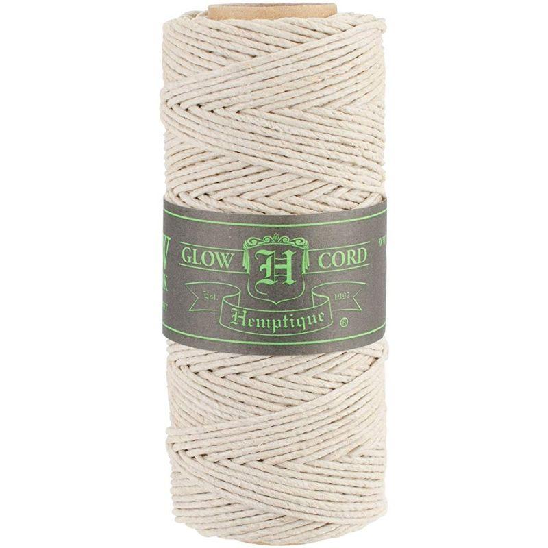 Hilo de fibra natural de cañamo utilizado en scrabooking, tarjetería, encuadernación y decoración en otras manualidades, es biodegradable de 1.5 mm. de espesor, 62.5mt. de largo.
