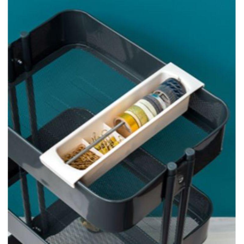 Cart Tray de We R Memory Keepers                                        Incluye: un carrete para la A La Cart (se vende por separado).  SPOOL: la función de bobina te permite organizar la cinta, cinta, hilo y otros objetos pequeños.  Accesorio: complementa tu A La Cart con accesorios de organización (cada uno se vende por separado).  Equipo Scrapyart