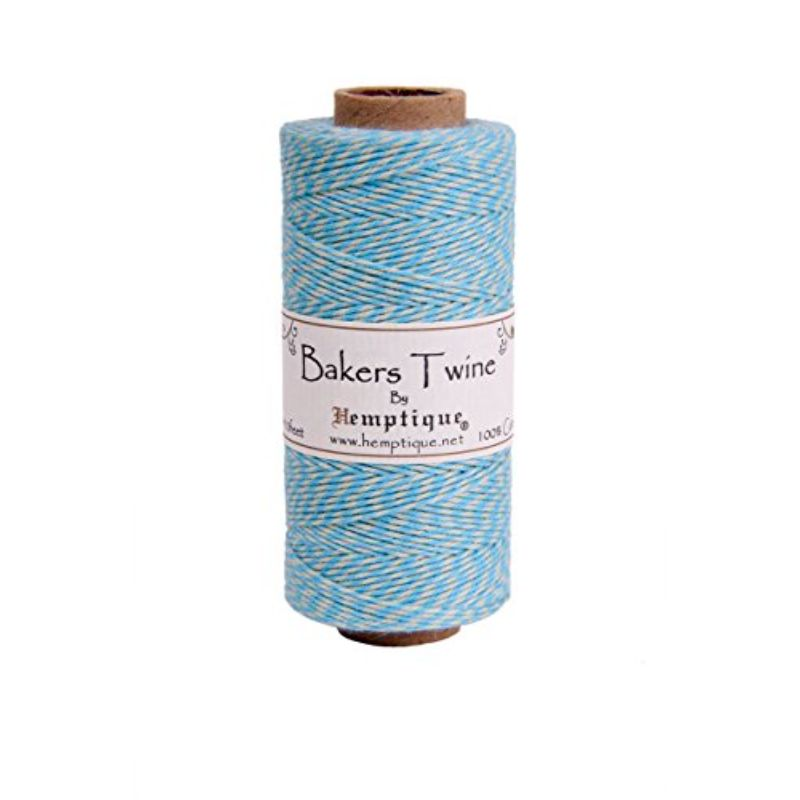 Hilo de fibra natural Algodon utilizado en scrabooking, tarjetería, encuadernación y decoración en todo tipo de manualidades, es biodegradable de 1 mm. de espesor, 62.5mt.  Equipo Scrapyart
