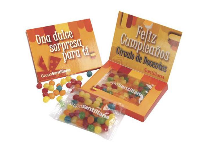 Tripack Premiun puede contener mentitas, aciditos, chocolates con pasas a diferencia del tripack standard este es mas grande y tiene las mismas caracteristicas.