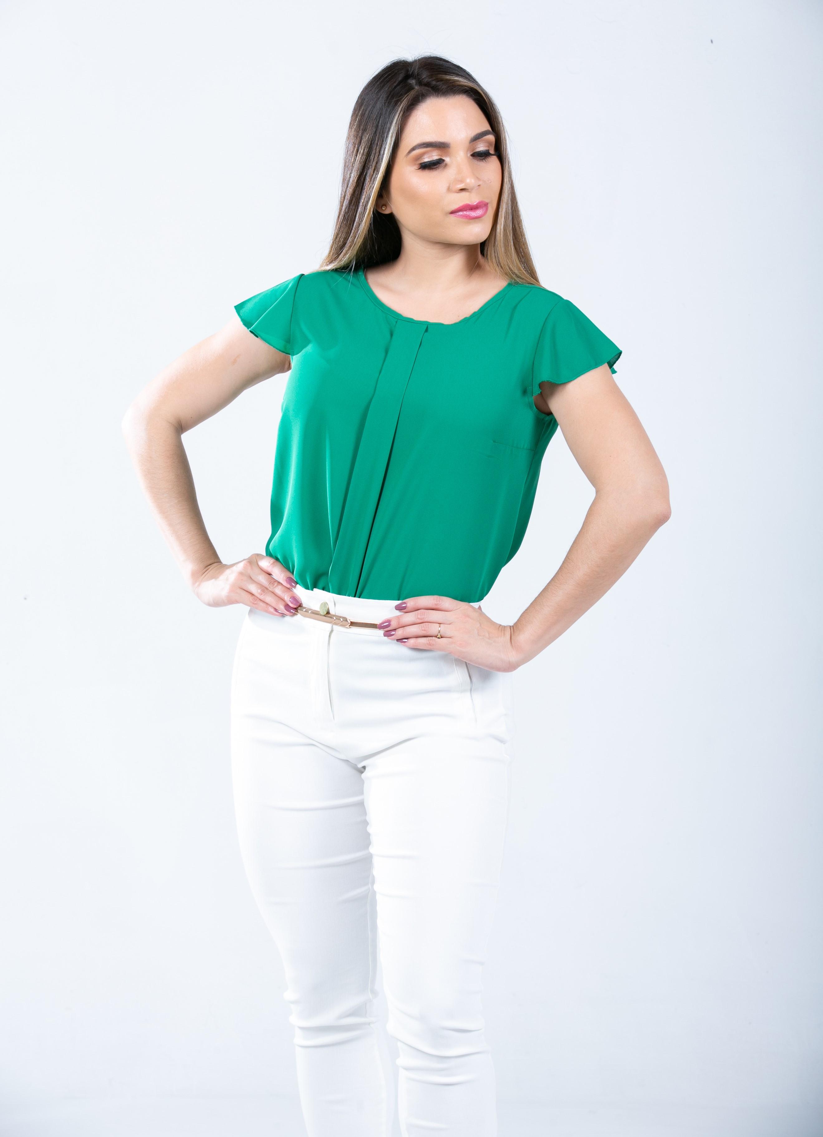 Disponible en talla S-M-L  Blusa cuello redondode gasa crepe,tiene buena caida .