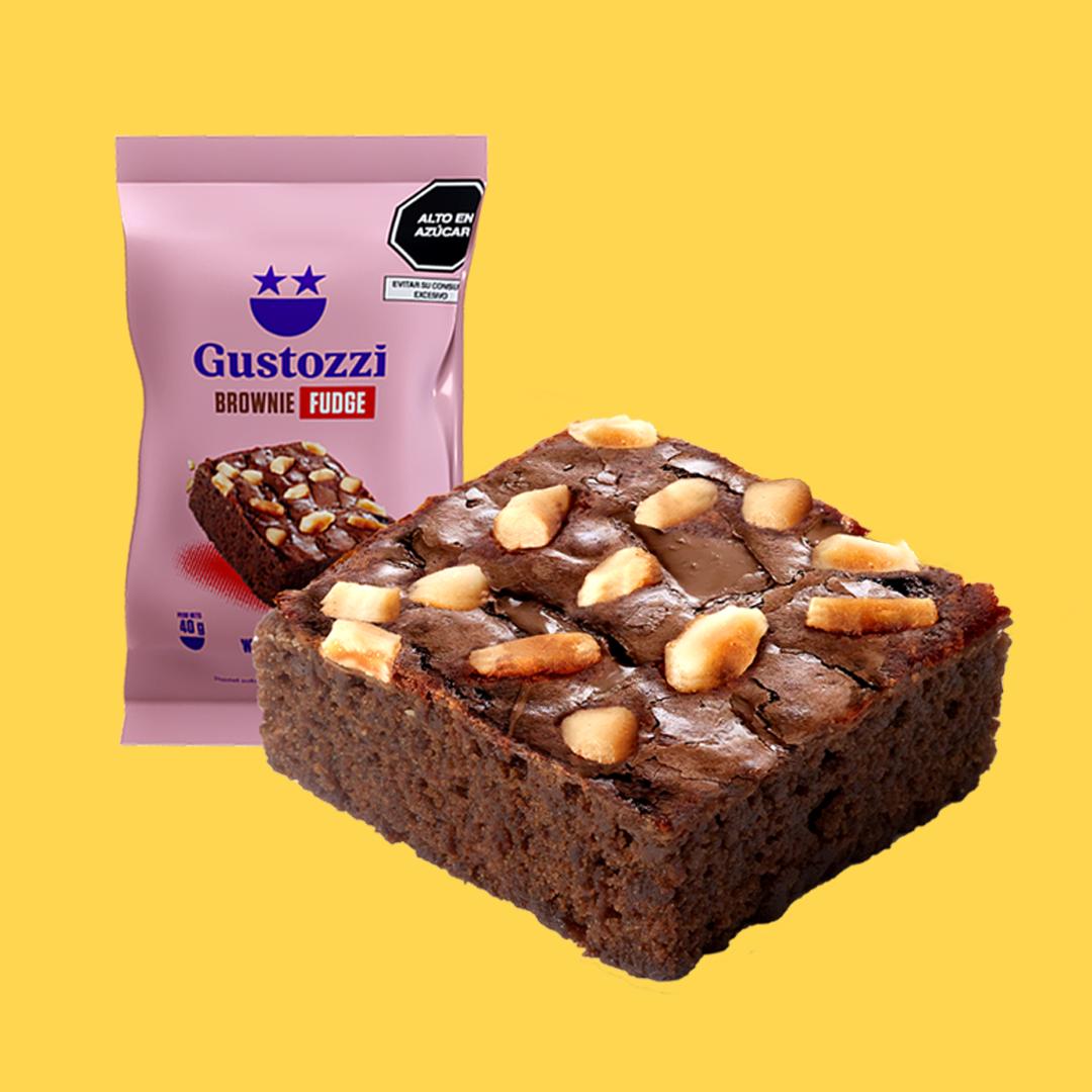 Nuestro clásico brownie con castañas tostadas y el delicioso e intenso sabor a fudge.
