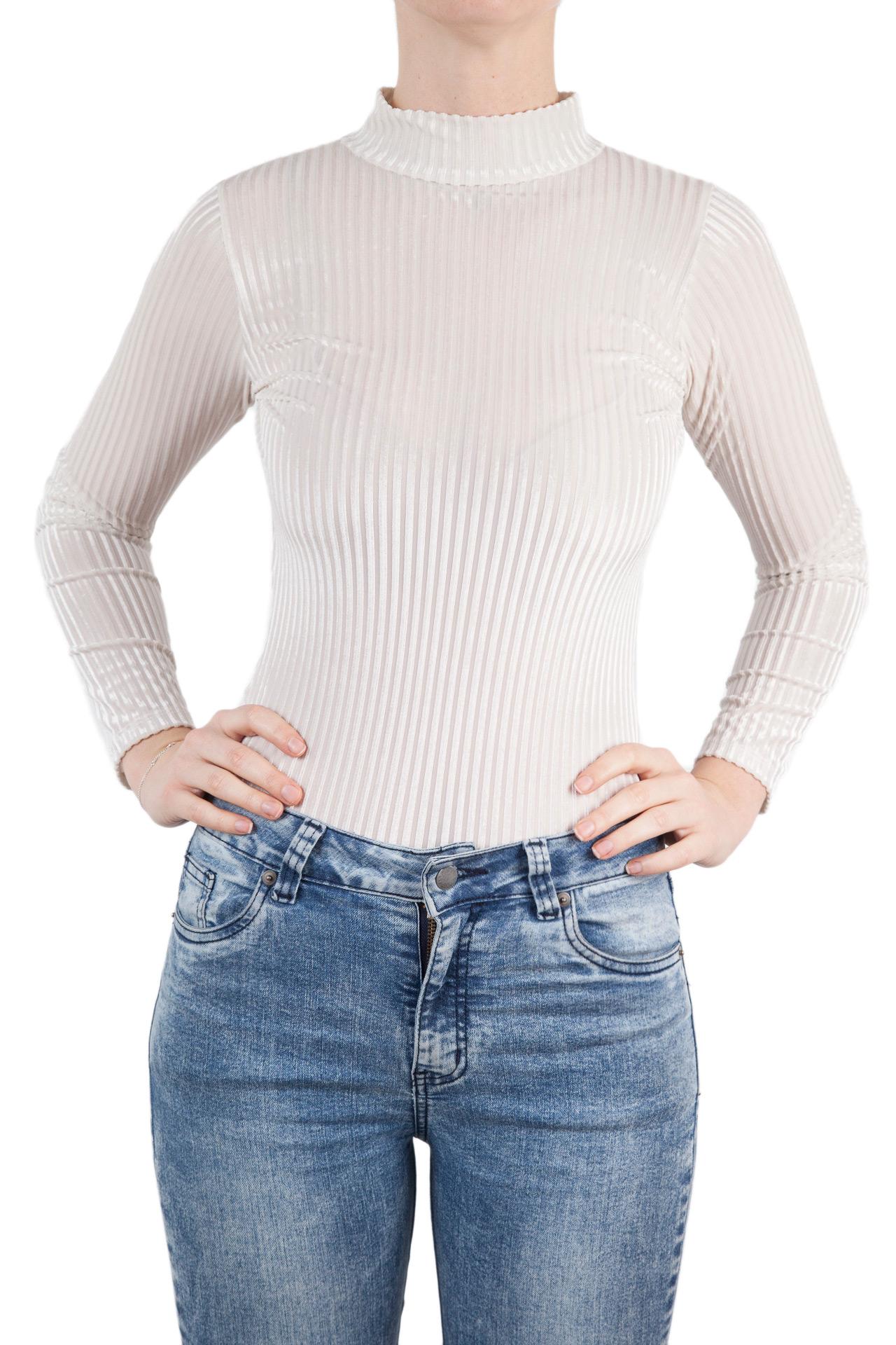 Body velvet ajustable de manga larga con detalle en la espalda.