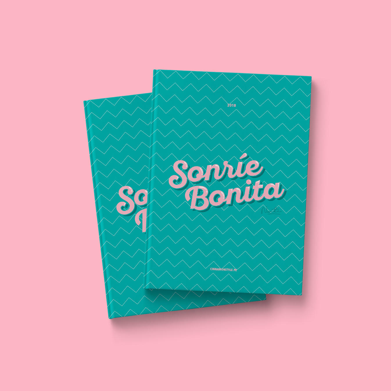 Agenda Sonrie Bonita 2018 en color verde  Alto: 18 cm  Ancho: 23.5 cm