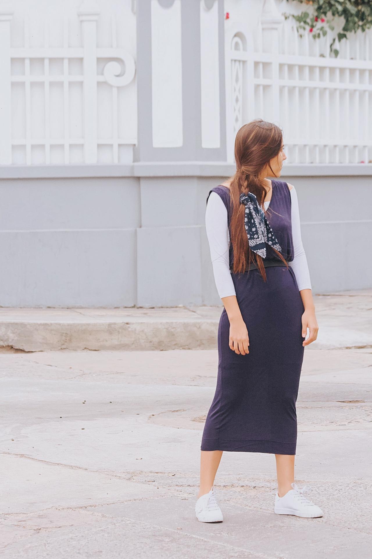 Vestido de algodón con forro, tubo, manga 0, largo Medidas:  Largo 1.18m   Ancho de cuerpo 46cm   Ancho Pecho 47cm   Ancho espalda 50cm   Cisa 33cm