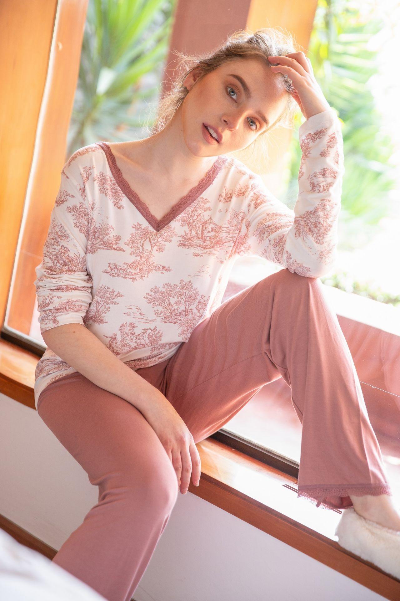 Pijama de algodón.  2 piezas pantalón y polo manga larga blondas OLD ROSA.
