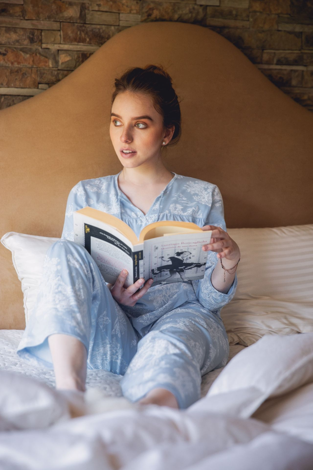 Pijama de algodón.  2 piezas pantalón y polo manga tres cuartos CELESTE