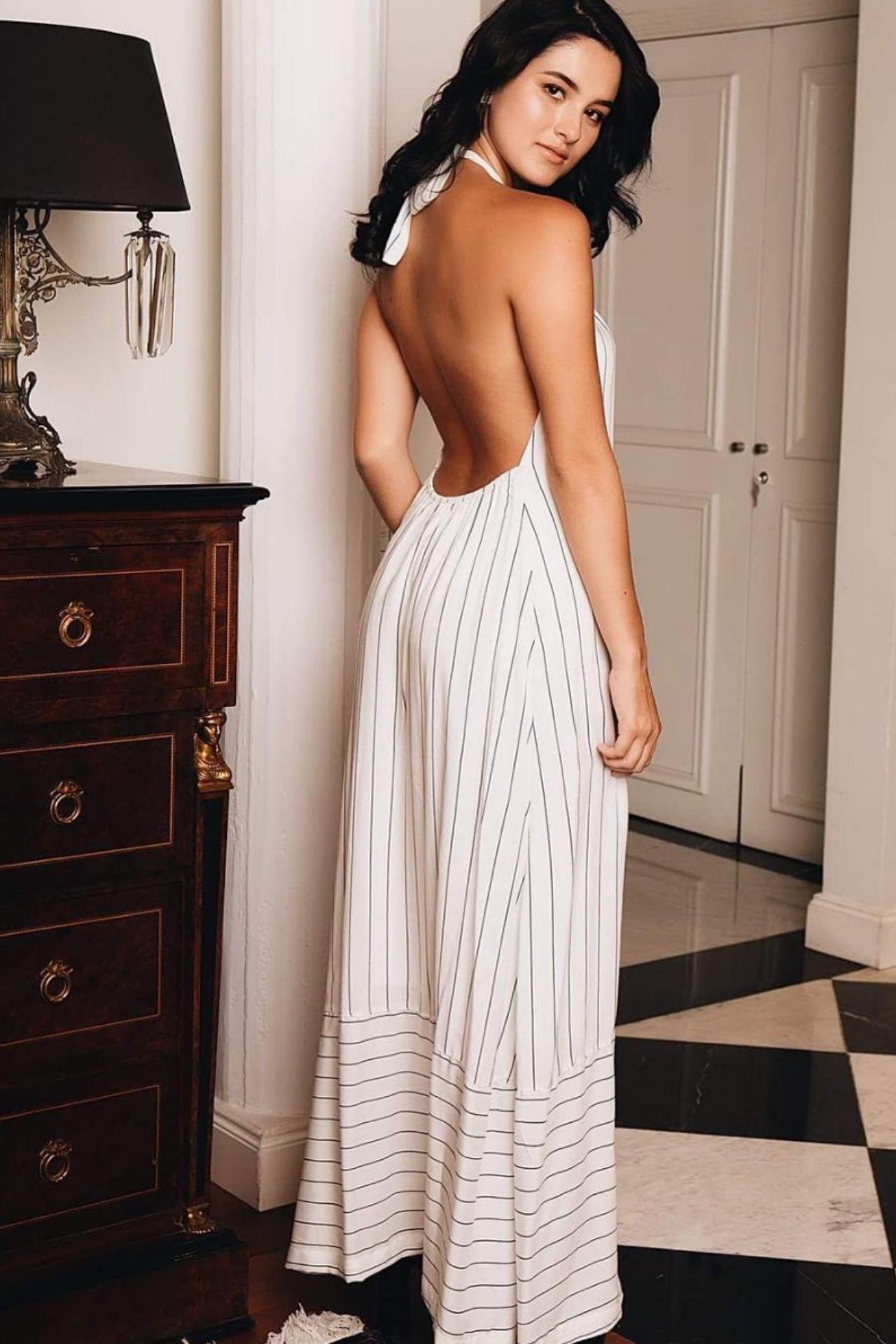 Vestido largo de algodón con halter para amarrar en el cuello.