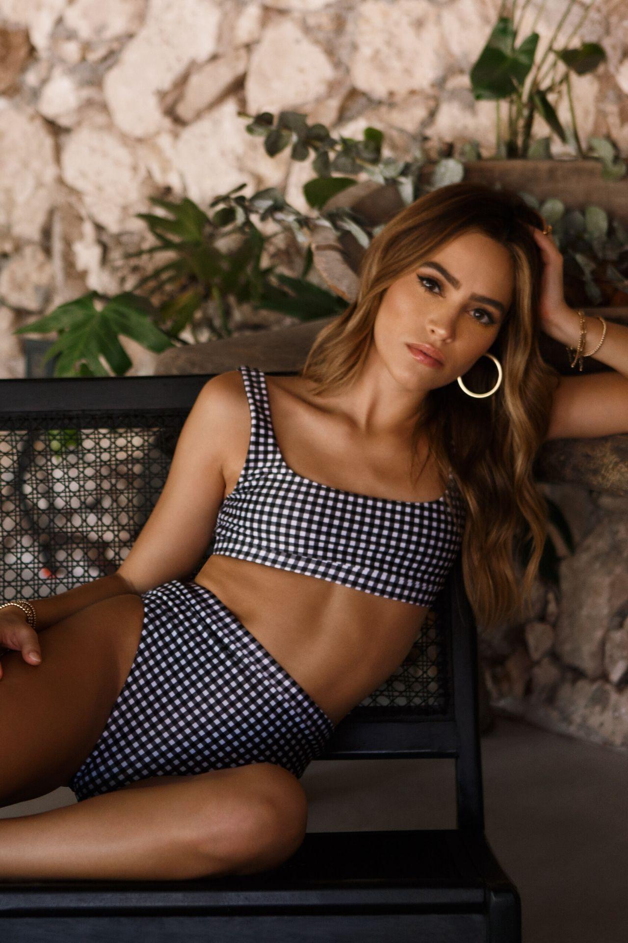 Bikini con bottom a la cintura.