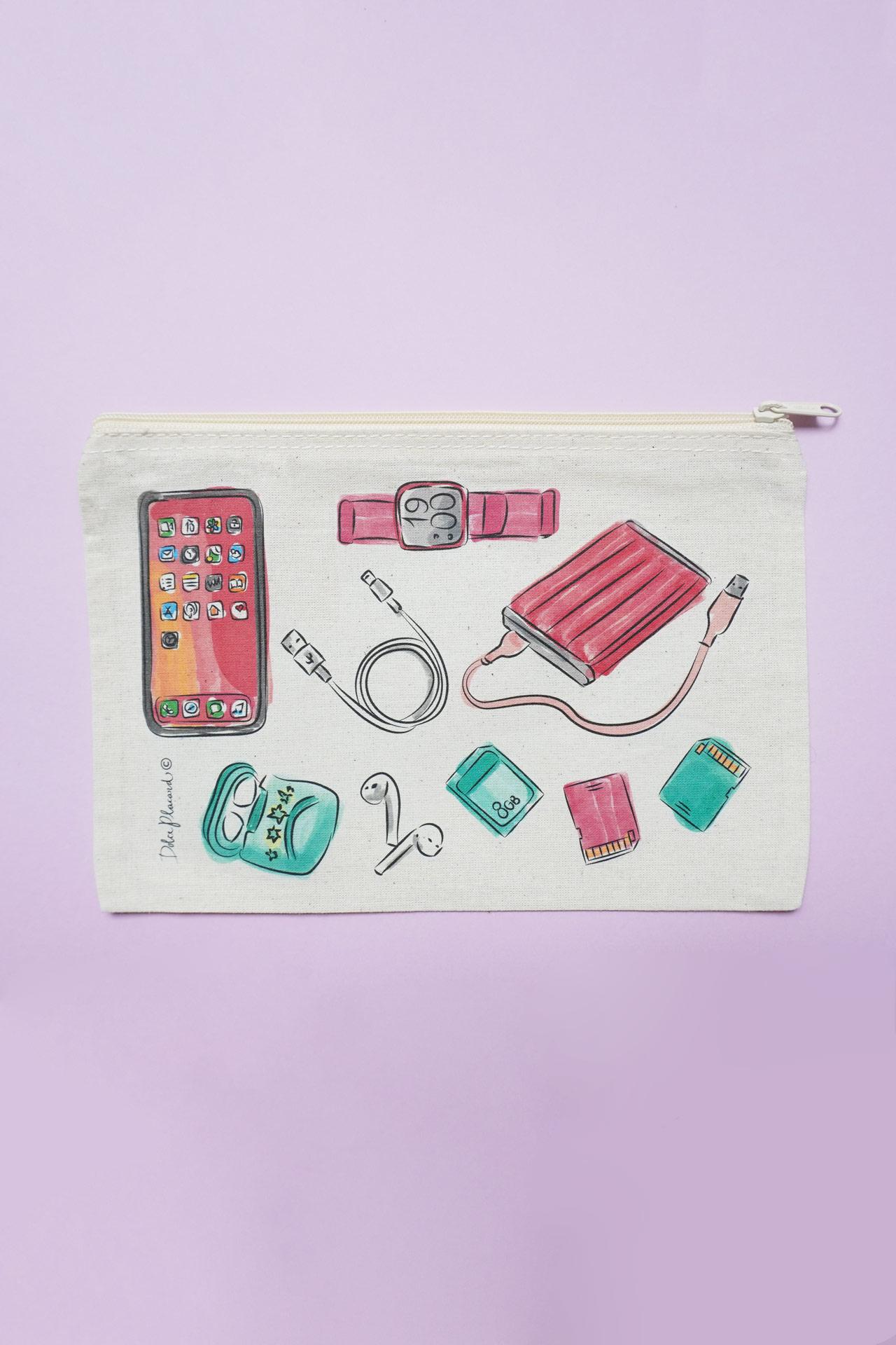 Neceser hecho especialmente para llevar tus accesorios tecnológicos de manera ordenada y segura.  Medidas: 22 cms alto x 15 cms ancho