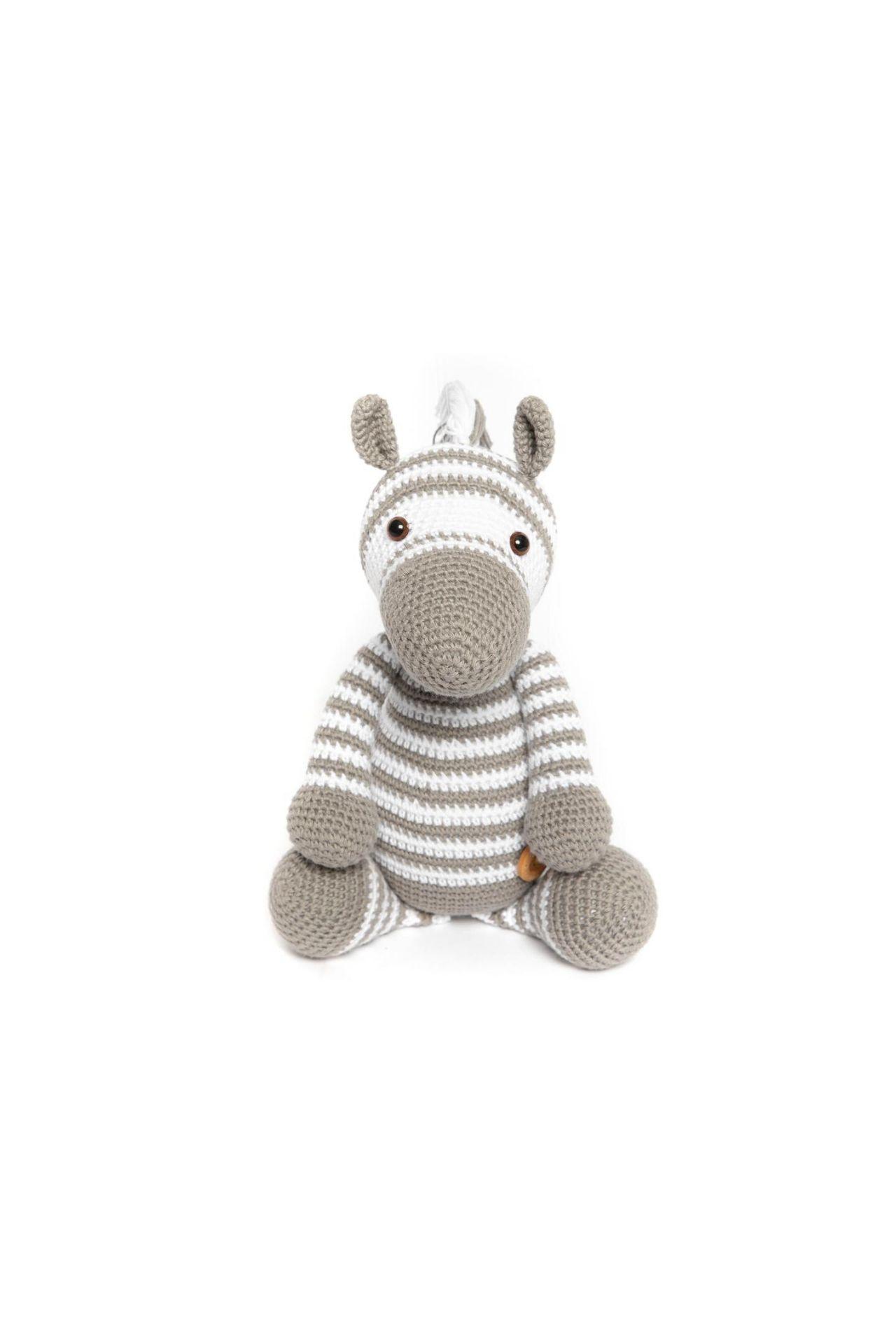 Muñeco de Apego en forma de animalitos tejidos a mano en hilos de algodón.