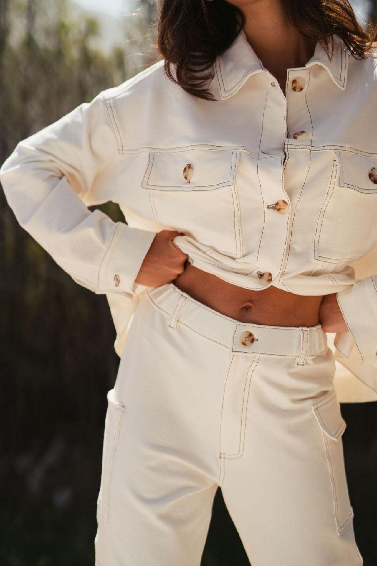 Pantalón Carmela confeccionado de french terry 100% algodón.