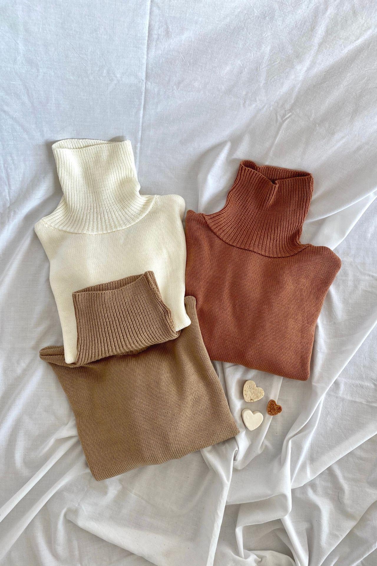 Chompa súper cómoda y abrigadora.  Medidas:  Largo( cuello- abajo): 64 cm  Largo manga: 66 cm  Ancho Total: 116 cm