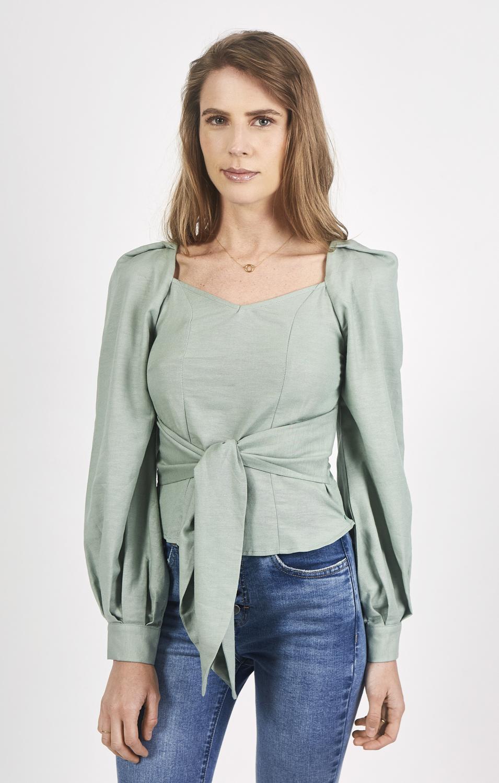 Blusa manfa larga detalle puños y lazo amarre delantero