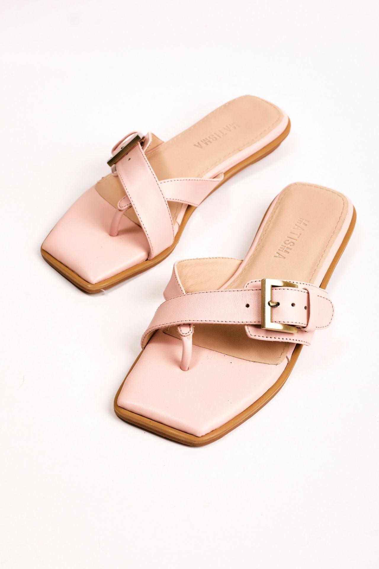 Sandalias de cuero rosa con una hebilla  CAPELLADA: CUERO NATURAL / FORRO: BADANA NATURAL