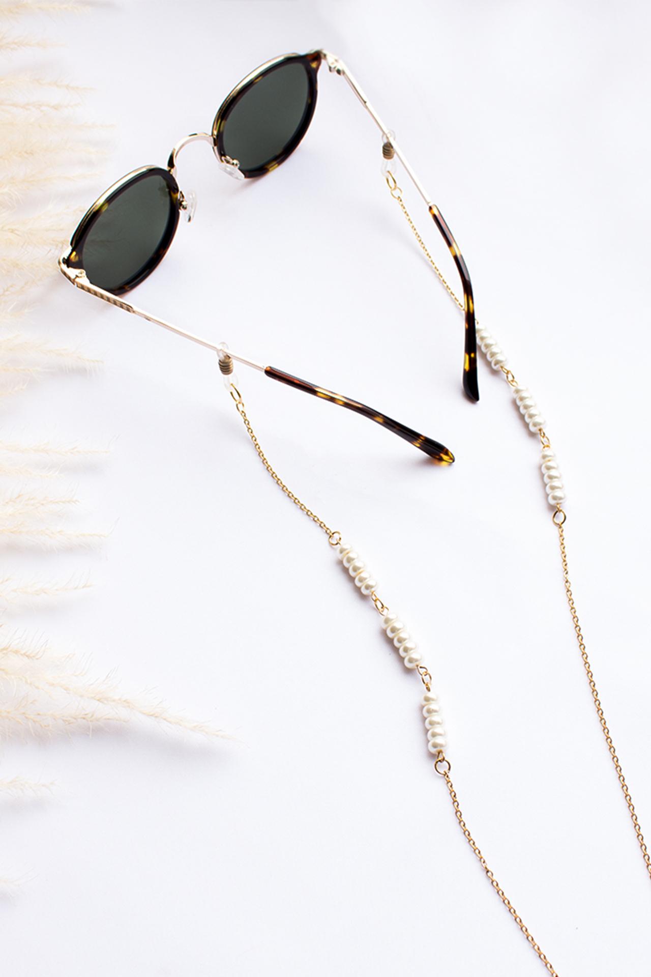 Sujetador de lentes con donas de perlas japonesas. Accesorios y cadena de acero. Largo: 70 cm aprox.