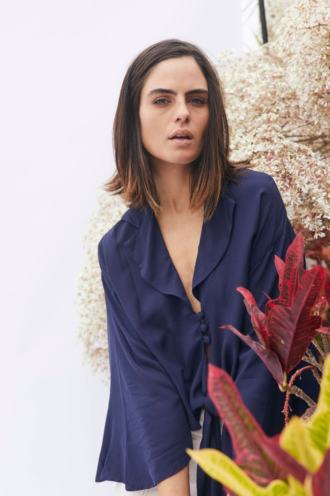 100% cotton blouse, perfect for mid season.  Small:  ancho: 49 cm largo: 43 cm  Medium:  ancho: 51 cm largo: 45 cm